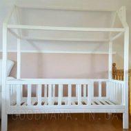Кровать - домик с дымоходом