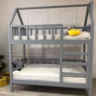 Кровать-домик-с-дымоходом-двухъярусная